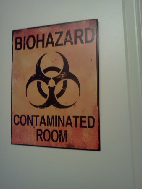 biohazard tin sign